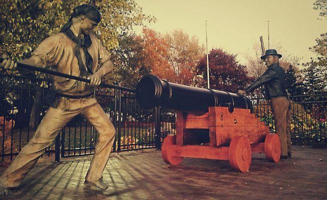 Mytown Taking Photos Statues Amherstburg Ontario Kings Navy Yard