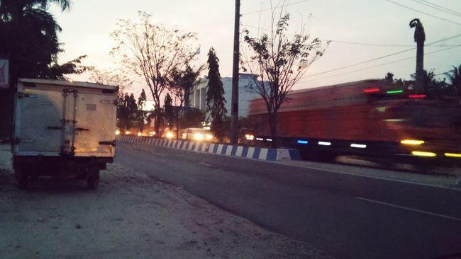 Highway Lubukpakam Magrib Cars Truck Lamps Waitingincar