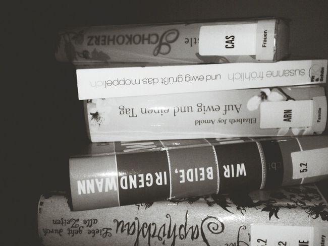 Bücher aus der Bücherrei :). Books ♥