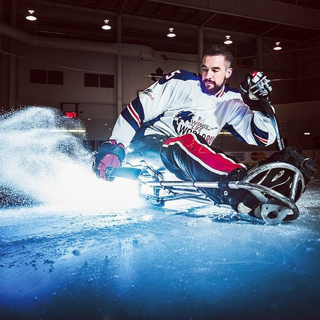 A photoshoot I did a few weeks back with Wings For Life ambassadors and Canadian Sledge Hockey Olympic medal winner @KevinRempel 🙌 The race starts in just over 90 minutes world wide! We are in Niagara Falls getting ready to rock :) DaleTidyPhoto @wflworldrun @garmin Worldrun Ambassador @redbullcanada SledgeHockey Olympian NiagaraFalls SpinalCordResearch
