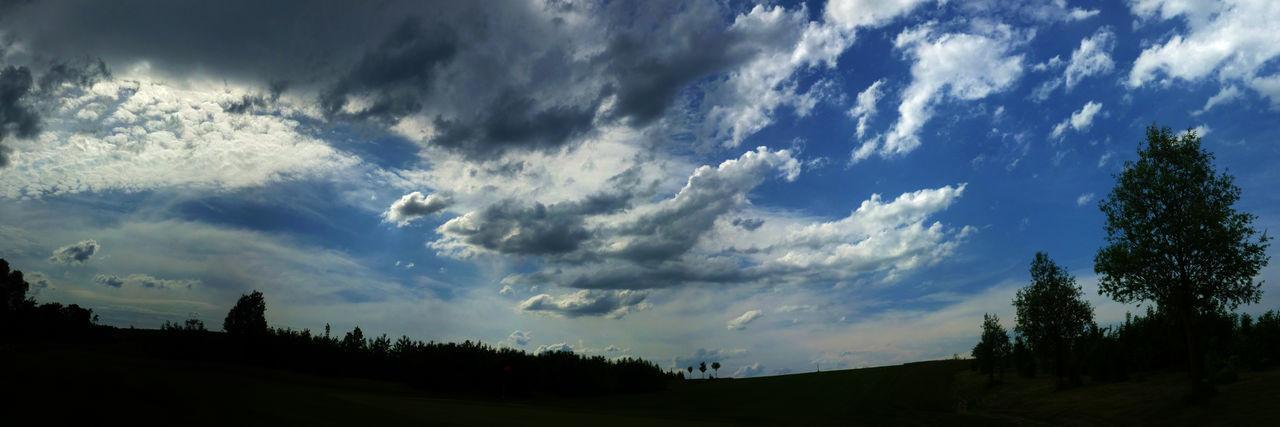 Wolkenhimmel Beauty In Nature Cloud - Sky Dark Golfplatz Himmel Und Wolken Idyllic Landscape Mühlberg No People Outdoors Silhouette Sky Weather Wolkenbilder Wolkenhimmel