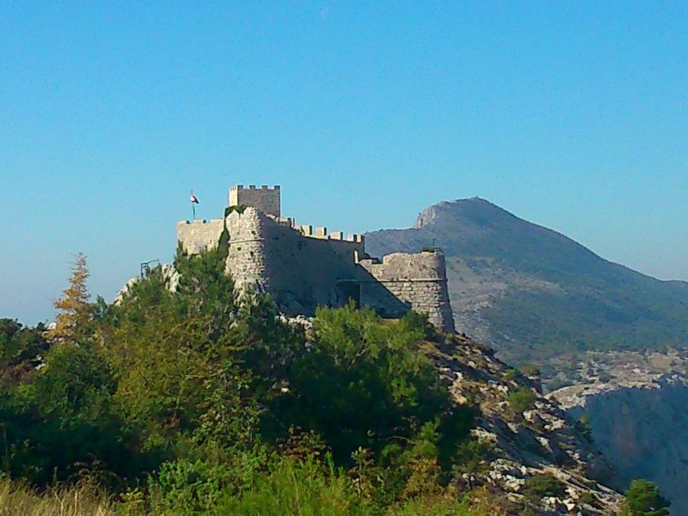 Beautiful Nature Breathtaking View Day Fortress Of Stone Fortress View Mountain And Sea Mountain View Mountains And Sky Nature Omis Croatia Sea And Sky Sky