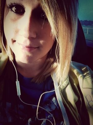 Peace and quiet at #bus#college#music#wastooearly by Shelby