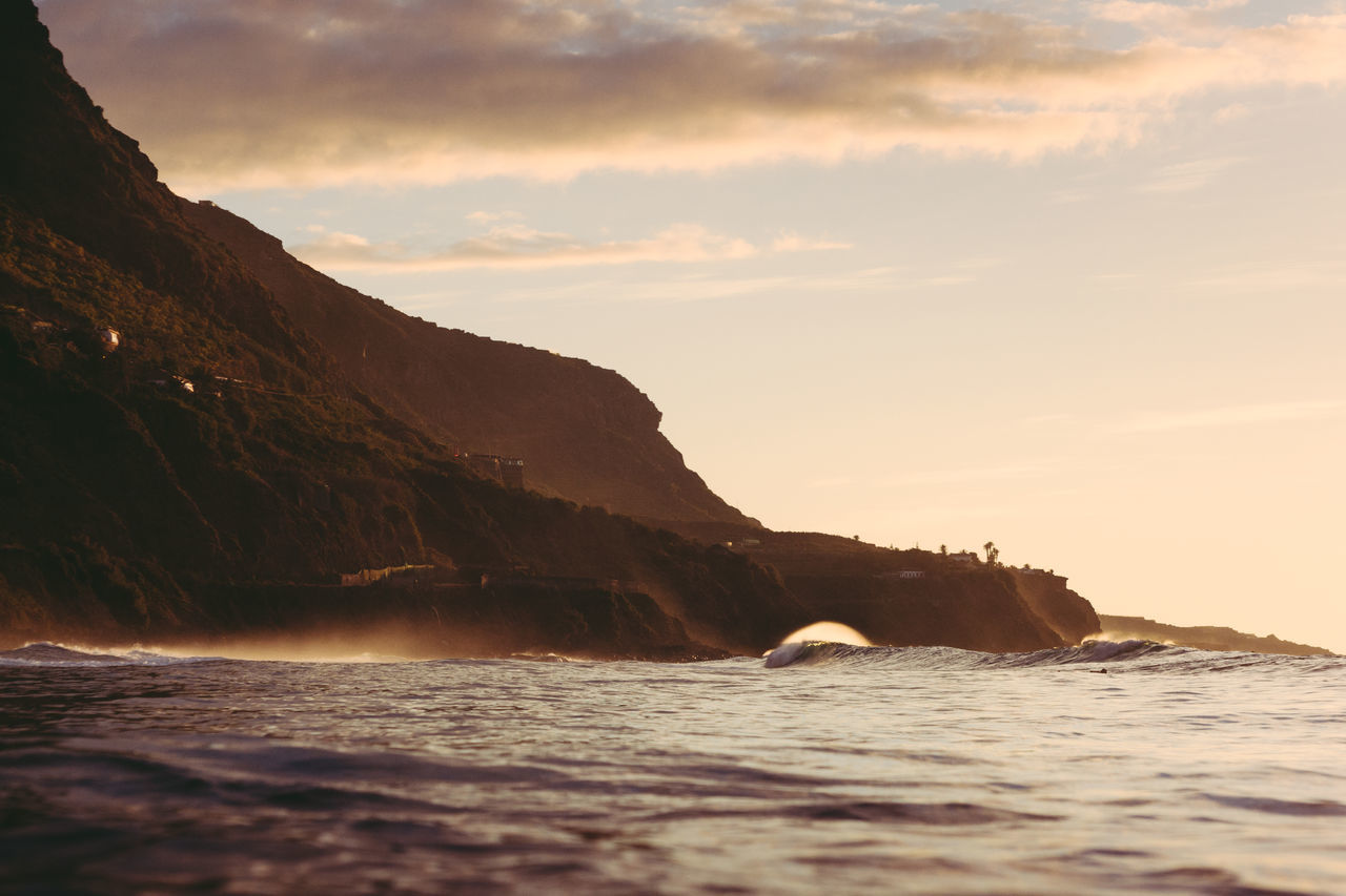 Canarias Canary Islands Day Eye4photography  EyeEm Nature Lover Mountain Nature No People Ocean Outdoors Scenics Sea Sky Summer Sunset Sunset_collection Surf Surfing Tenerife Tranquil Scene Water Wave Waves Waves Crashing Waves, Ocean, Nature
