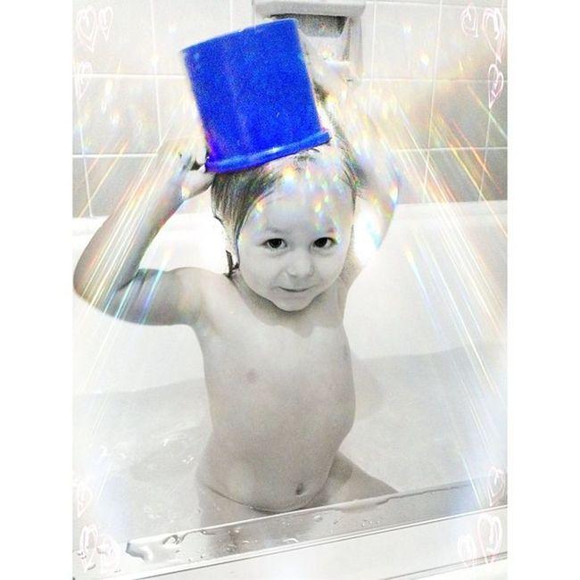 """My hat!"" Bath Colorsplash Edit Creative_kid_edits creative cutekidsclub cute kidz_korner babies cutest_kiddies thechildrenoftheworld instagram_kids silly beanlove beautiful heart instababy mom_hub love"