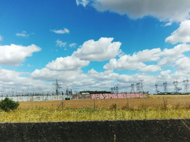 Reseauelectrique Electricity  Nature's Diversities NatureAndStructure Electric Tower  Electricity Pylon Frommypointofview Eye4photography  EyeEm Best Shots EyeEmBestPics