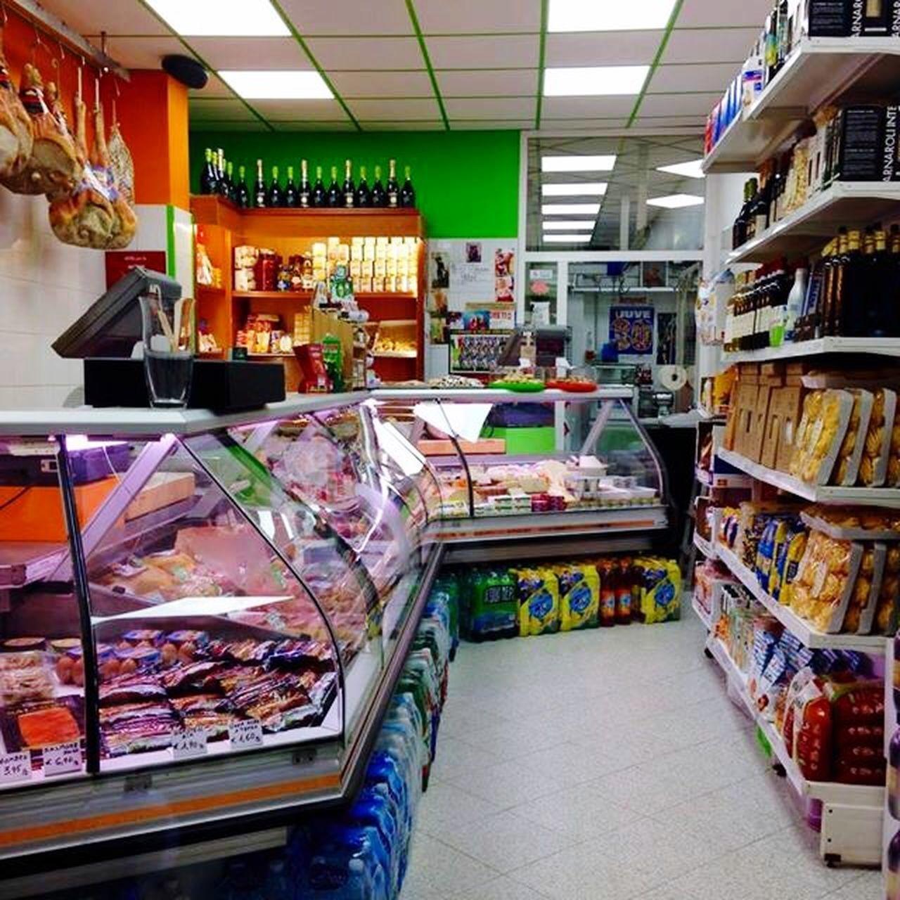Il Gusto Della Carne E Il Piacere Dell'altro Italy Butcher Shop Food Shopping Food Meat! Meat! Meat!
