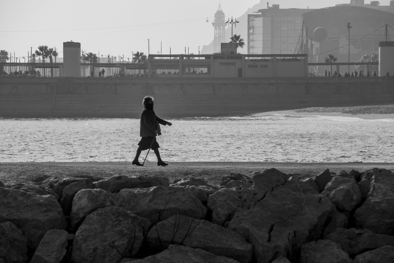 Grany's day out Barcelona Beach Life Beach Photography Loneliness Old Age Grany Black & White Black And White Photography Relaxing Moments Enjoying Life Weekend Activities Relaxing Moments Day Out Walking Around CanonEOS650D Canonphotography