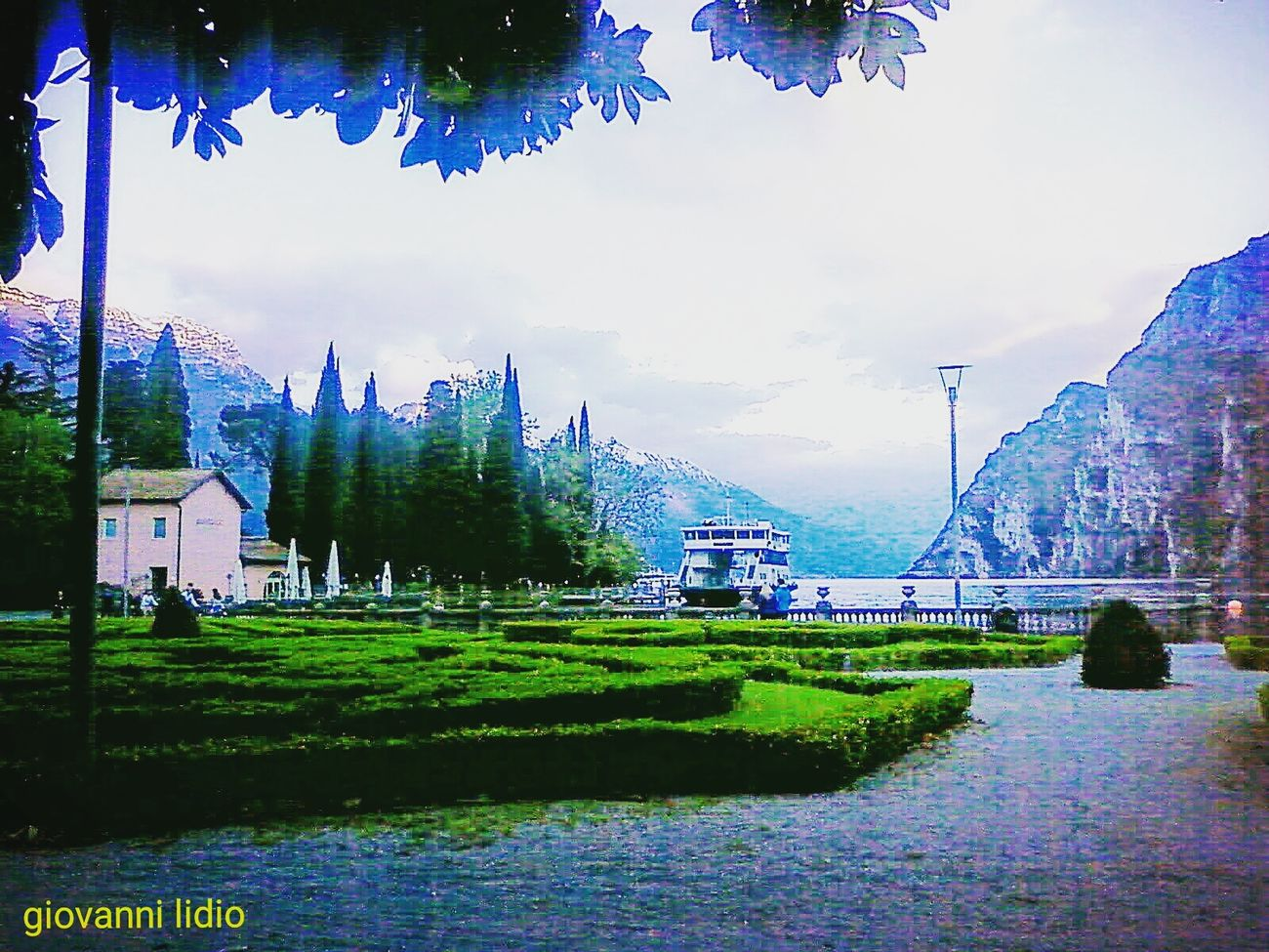 Blue Tree Outdoors Tranquility Travel Destinations Photography Fotografia Lago Di Garda Garda Lake Gardasee Lagodigarda Nature Scenics Landscape Cityscape Mountain Water Beauty In Nature City Tree Dolomites, ıtaly Tranquil Scene Garda Lake Italy Foto No People