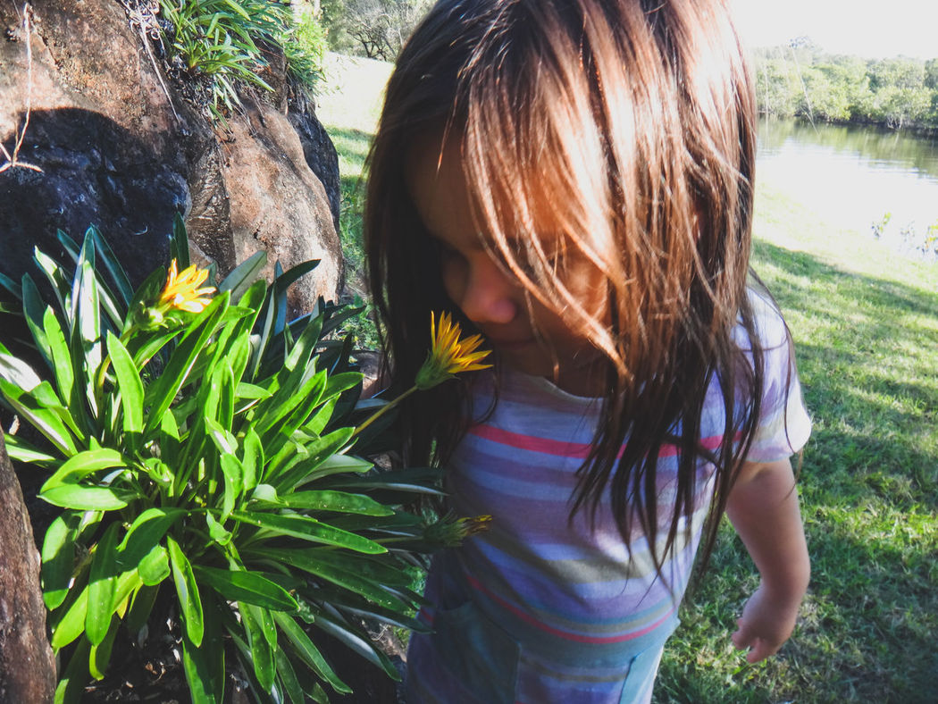 Child Childhood Close-up Curiosity Day Family Flower Flowers Girl Girls Nature One Girl Only One Person Outdoors People Smelling Smelling The Flowers The Portraitist - 2017 EyeEm Awards