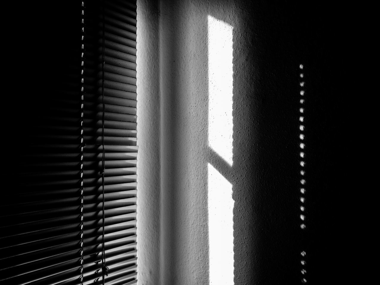 Shadowonthewall Berlin Monochrome Berlin Schwarzweiss Blackandwhite Photography Blinds Day Home Interior Huawei Monochrome HuaweiP9 Huaweiphotography Indoors  Light And Shadow Monochrome No People Schwarzweiß Shadow Shadow And Light Shadowplay Sunlight Window