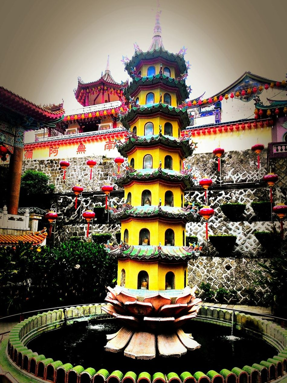Check This Out Taking Photos Pictureoftheday EyeEm Indonesia EyeEm Best Edits Temple Architecture Beautiful Place Enjoying The View Enjoy Vacation In Penang