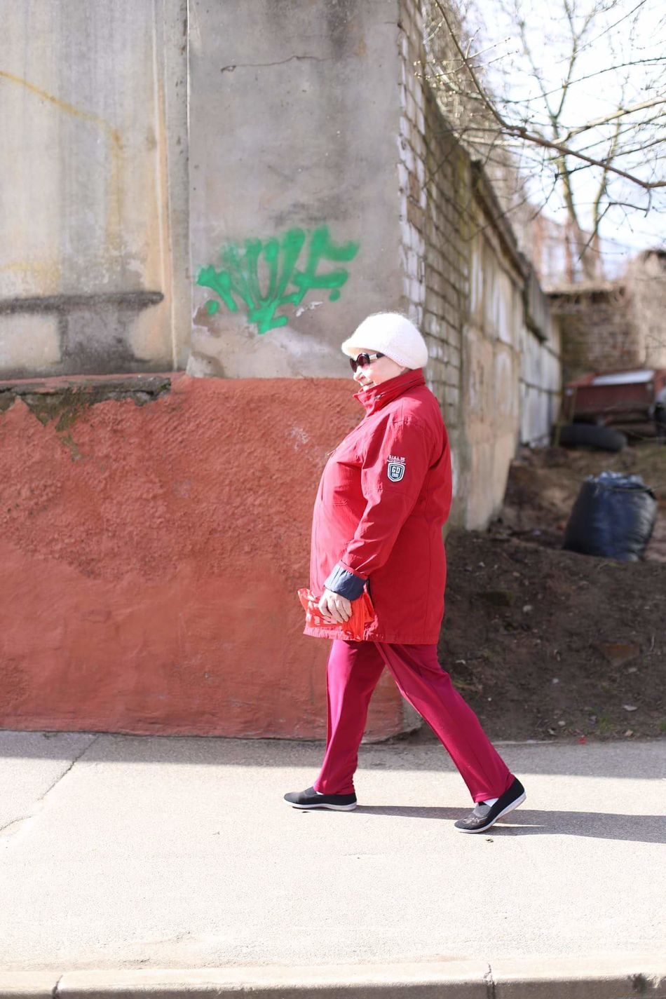Street Photography Streetphotography Street Life Woman Feminine  Fashion Oldwoman Pensioner Fashion Redefined Redhead Collections