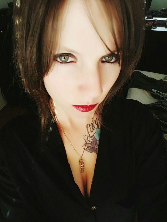 ;p Pretty Girl Girlswithtattoos Inkedgirls Tattedgirls Selfie Redlips Redlipstick