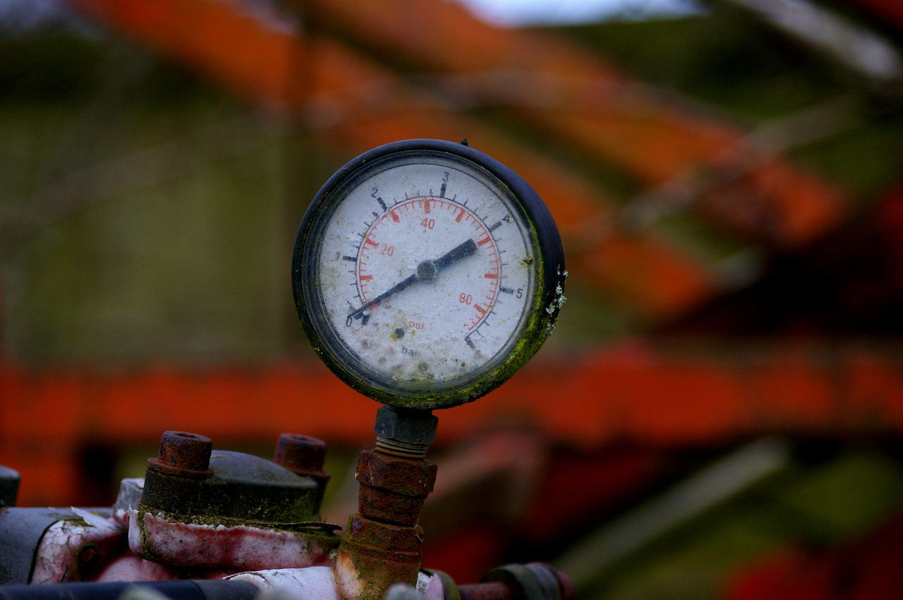 work Jan 2017 Close-up Day Focus On Foreground Gauge Meter - Instrument Of Measurement No People Outdoors Pressure Gauge Technology