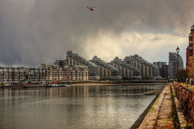 Thames River Imperial Wharf Fulham Chelsea Chelsea Harbour Architecture Water Building Exterior Built Structure River Waterfront City Cloud - Sky