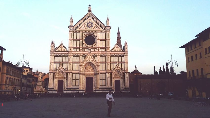Past and present Churches Firenze Florence EyeEm Italy Santa Croce Cathedral Man On Phone Past And Present Square Man And Art Florence Italy Santa Croce