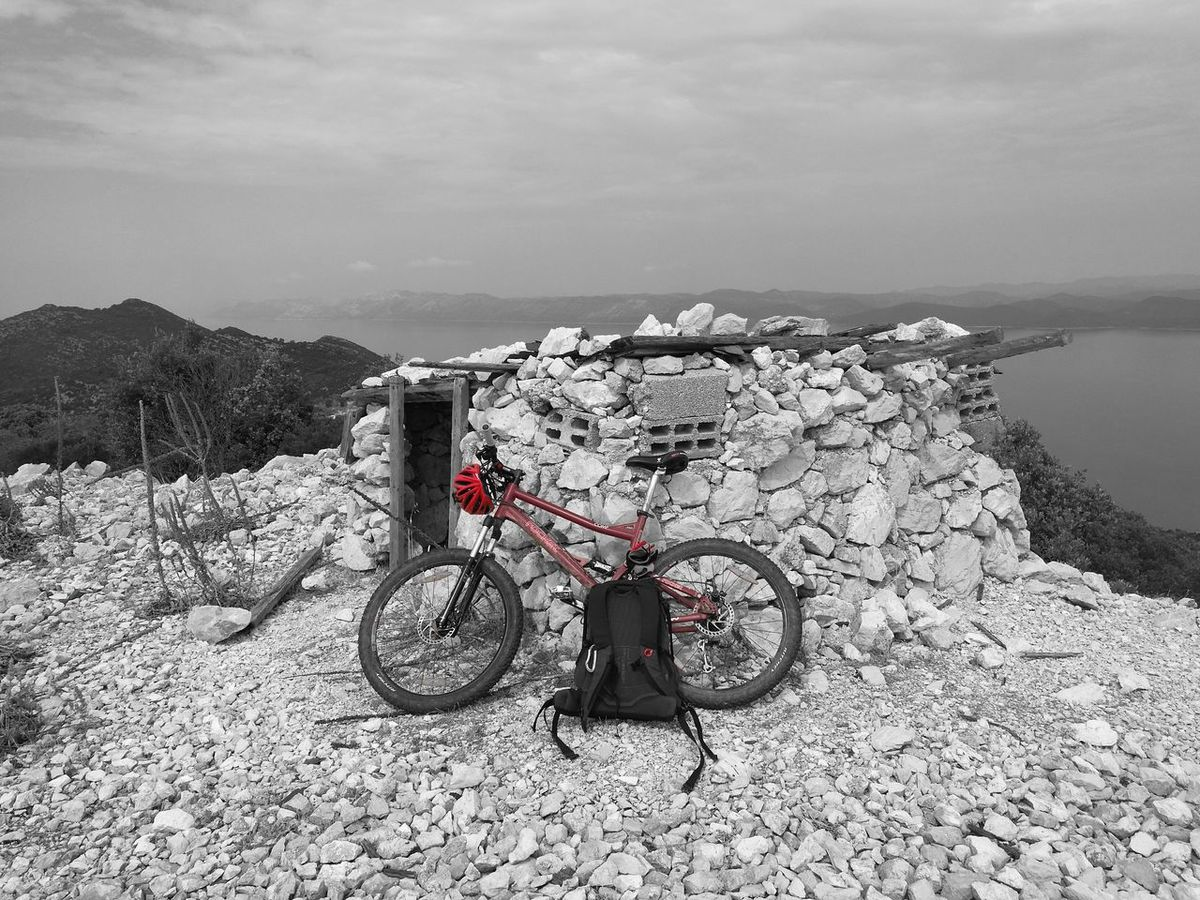 Transportation Land Vehicle Bicycle Mode Of Transport Absence Parking Stationary Tranquility Day Tranquil Scene Non-urban Scene Parked Extreme Sports Nature Scenics Remote Rocky Red MTB Biking MTB ADVENTURE Mtb Love Mtbpassion No People Cloud - Sky Black & White