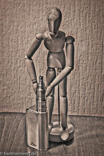 Wooden Guardian... Black&white Vapers Vapeon Vapeporn E-cigs And Photography Vaping Dampfen