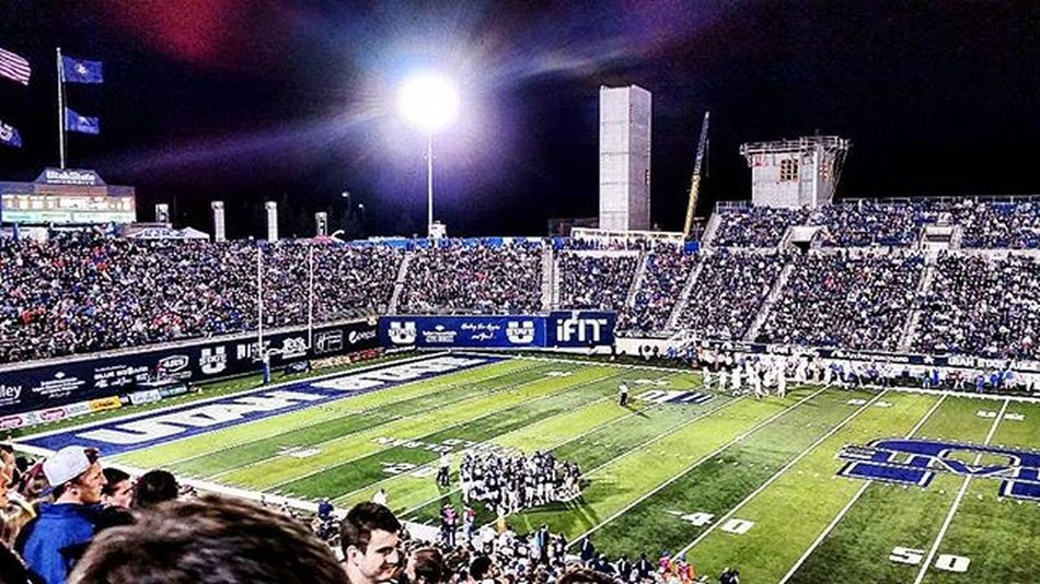 At the Utah State vs Boise State game on Friday night. It was good to see Boise State get their assess handed to them. Utah Utahstate Aggies Usu Boise BoiseState Utahstateuniversity Utahstatefootball Usufootball Loganutah Usuaggies Football Collegefootball Cbs Cbssports Cbssportsnetwork Fridaynightlights Fridaynightlights🏈 Johnnylopezthephotographer Johnnyphotos Lnlphotofarmphotography Likes Likesforlikes Lifestyle Love peace lifeisgood
