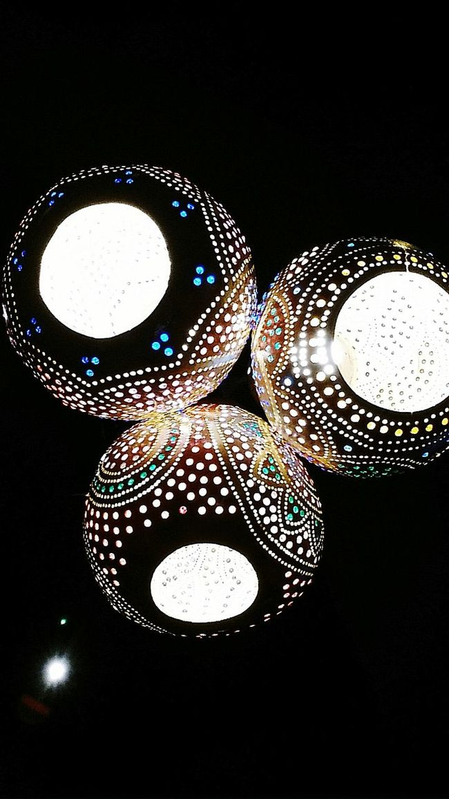 Amazing lamp isn't it? What a woman can find in a ordinary restaurant. Restaurant Dinner Lamp Light Urban Arabic Arabian Culture Hinduism Exotic Colorful Colors Black Bright Art Culture Photography Photo Beauty Beauty In Ordinary Things Extrodinary Life World Asian Culture ASIA Feel The Journey