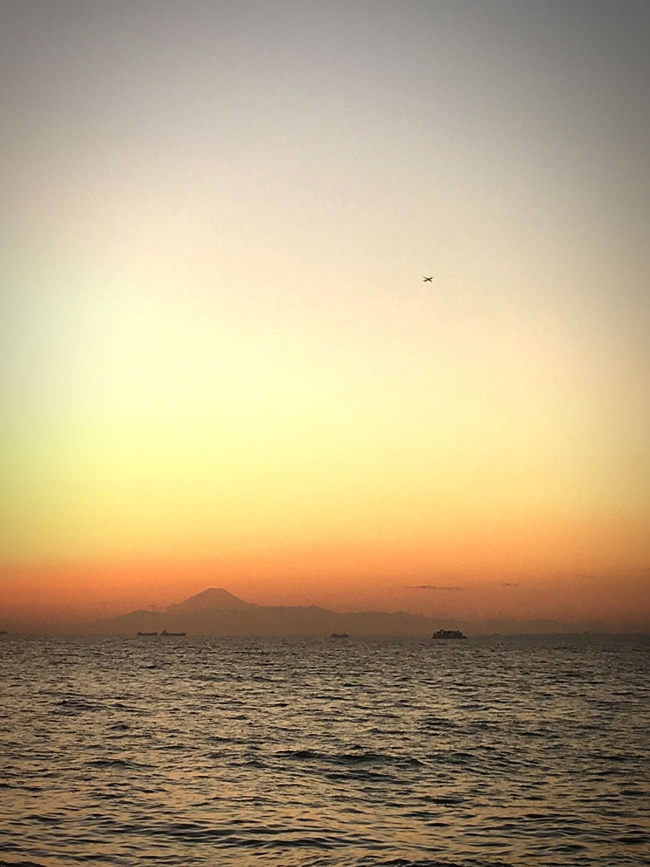 Japan Sunset Scenics Chiba Ocean View Tokyo Tokyo Bay Mount FuJi Mount Fuji Views In The Distance Sunset
