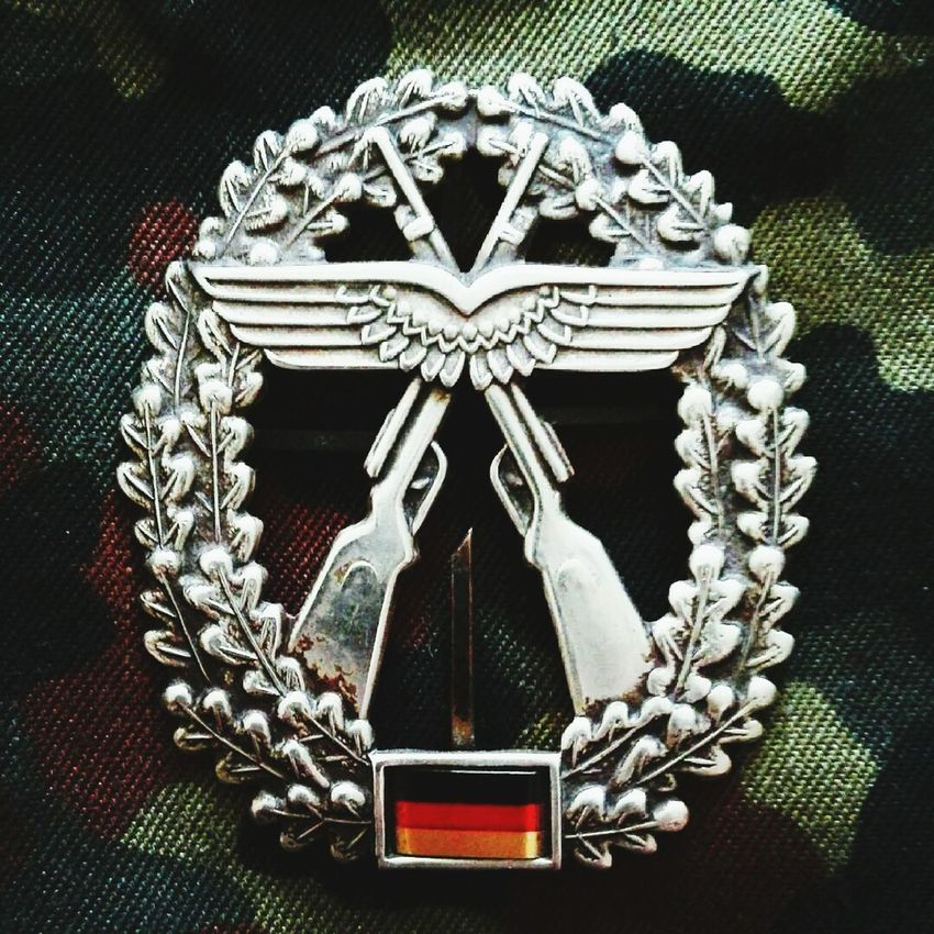 Bundeswehr Camouflage Camouflage Clothing Army Army Soldier Army Life Germany🇩🇪 Military Uniform Objektschutz Luftwaffe German Army Air Force German Air Force Sicherungsstaffel 2. Luftwaffensicherungsstaffel S Taktisches Luftwaffengeschwader 33