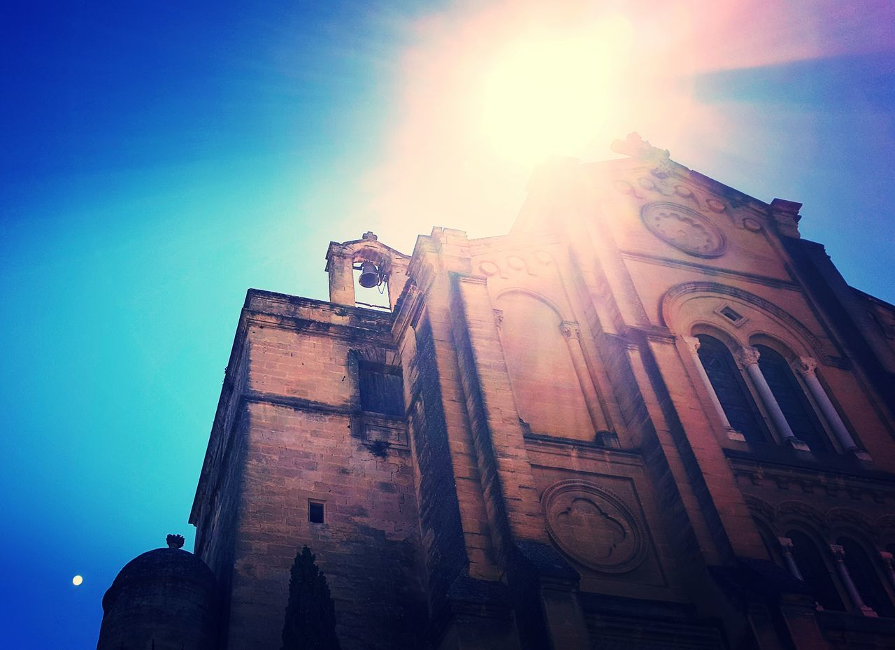 France Uzés Churches Architecture_collection Architecture Over Exposed Saturated Summer