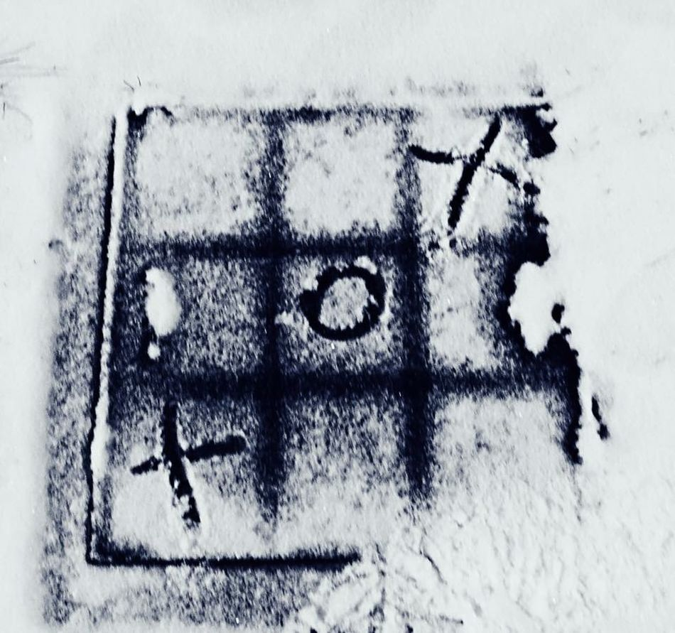It's Cold Outside Tick Tack Toe Walking In The Snow Having Fun :) My Winter Favorites First Snow EyeEm Best Shots Perspective Playing In The Snow