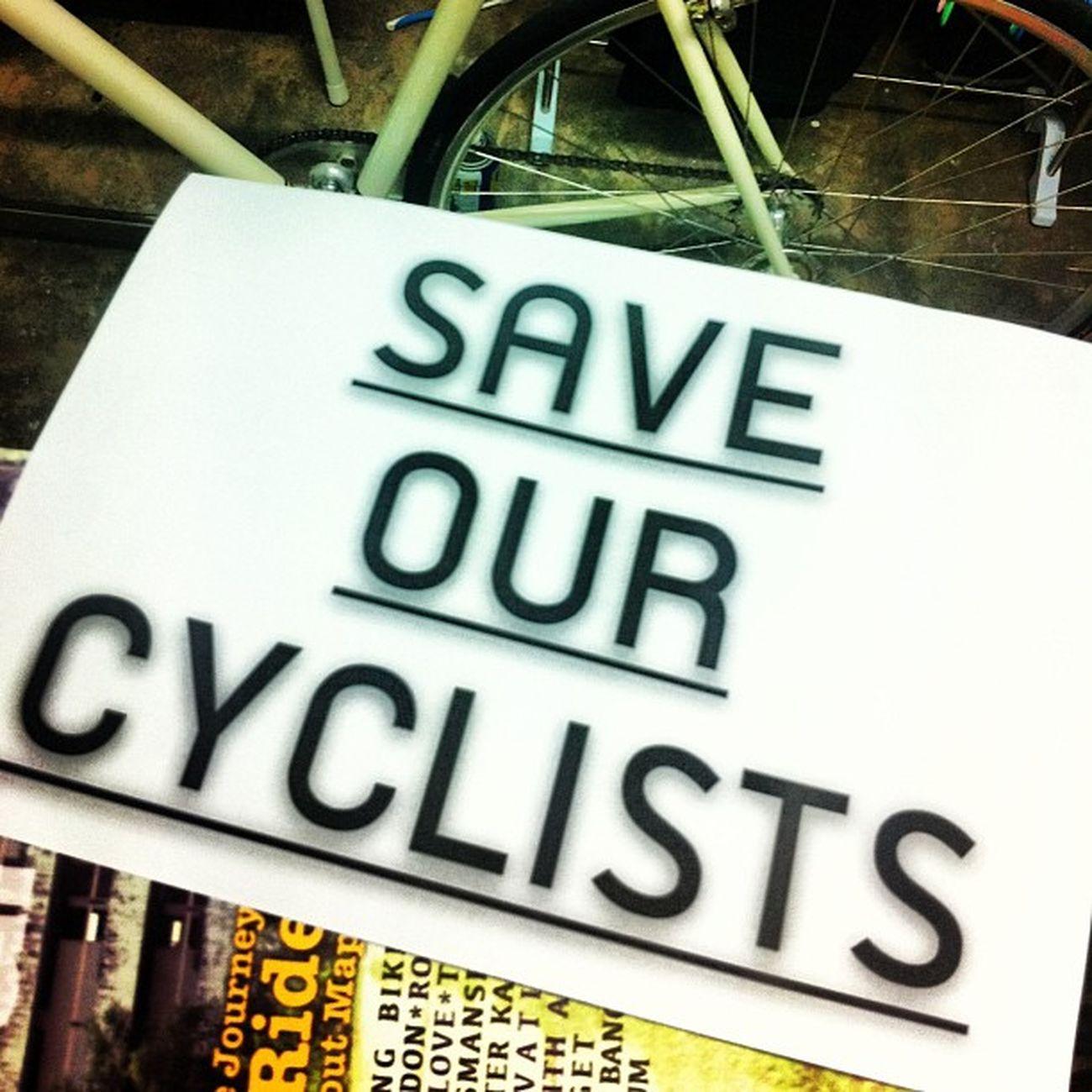 ขอน้ำใจเพียงเล็กๆ ช่วยแบ่งปันพื้นที่น้อยๆ ให้พวกเราจักรยานคันนิดๆ Saveourcyclists