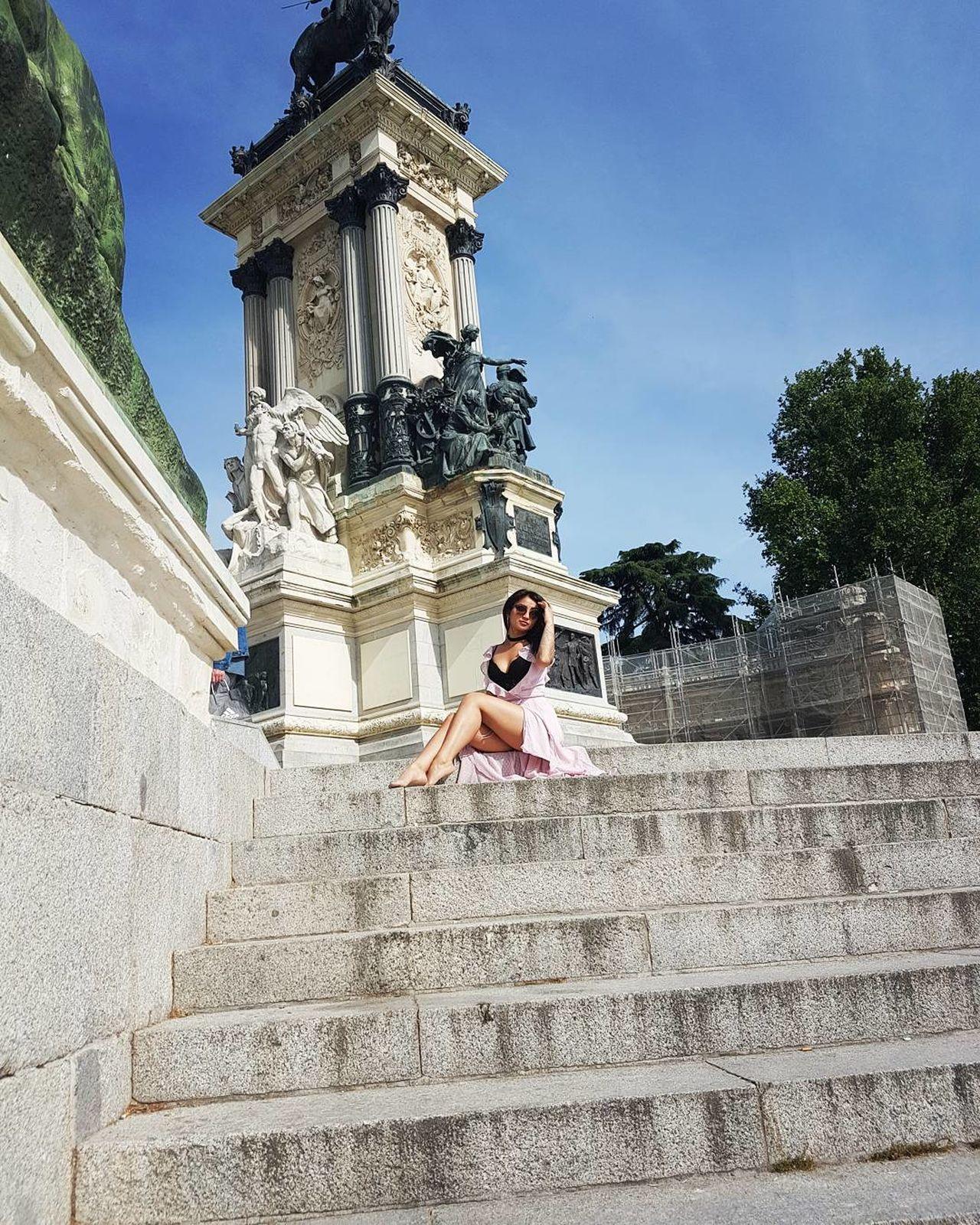 MeMyself&I Onholiday Spain🇪🇸 Madrid Sightseeing Photoshoot Nofilterneeded Fashion Style Lovethisdress Happytime Enjoying Life Travel Photography Love Vacation Amazing Places