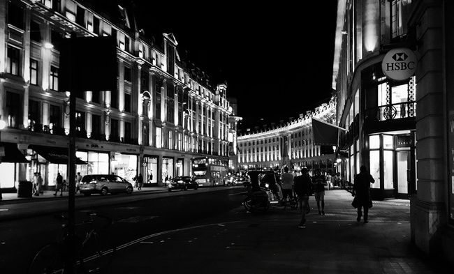 Thought I'd give it a black and white touch Architecture Building Exterior Built Structure City Street City Life Night Road City Street Outdoors Curve Regentstreet Walking Regentst Blackandwhite