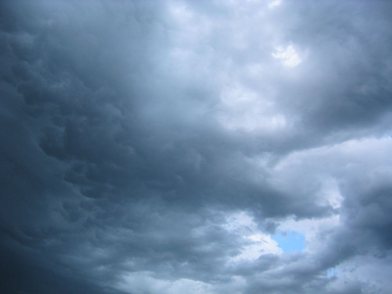 cloud - sky, weather, atmospheric mood, beauty in nature, cloudscape, sky, nature, storm cloud, dramatic sky, storm, scenics, no people, backgrounds, tranquility, day, sky only, low angle view, outdoors