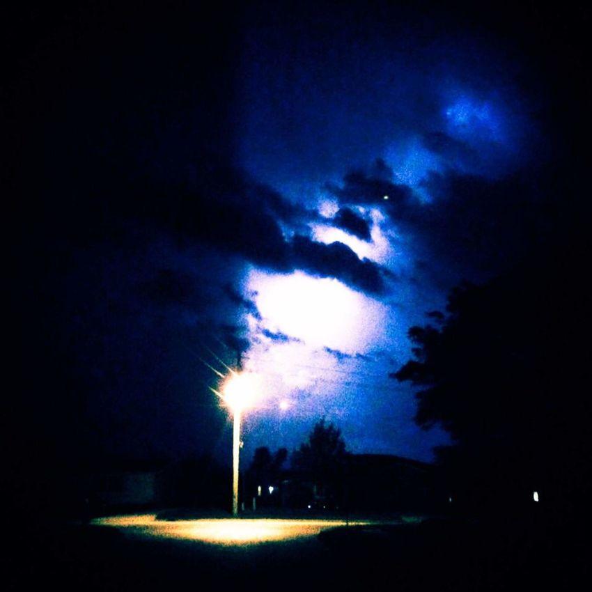 Thunder Struck Thunderstorm Thunder Thunderstruck ACDC Nightphotography Night DOPE Dopephotography Photography Blue Clouds And Sky Clouds Lightining Lightning Storm Lightning Strikes