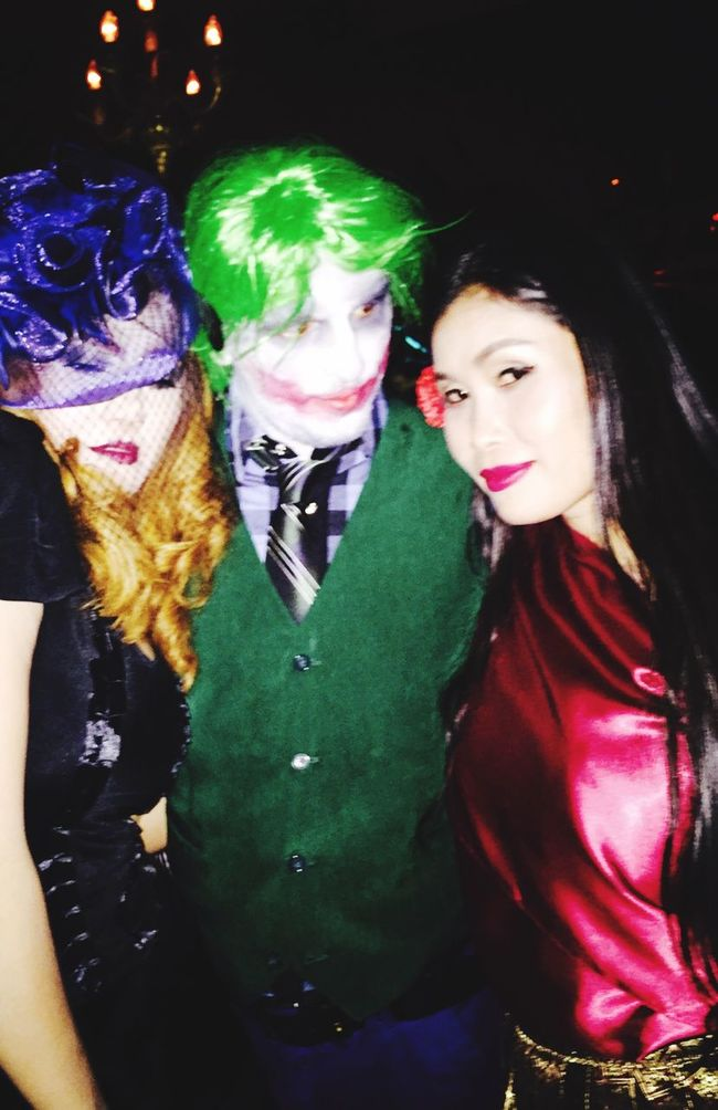 Hallowen Halloween Horrors Authentic Moments Hangout Hard Party Enjoying Life Sweet And Perty Relaxing Funny Faces Hanging Out