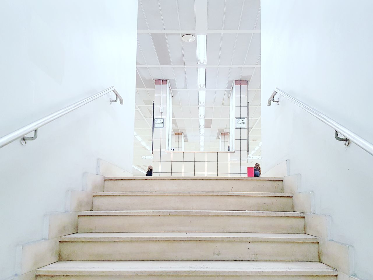 Steps And Staircases Staircase Low Angle View The Way Forward No People Architecture Minimalist Architecture Minimalist Minimalobsession Minimalist Photography  Minimalism Architecture Architecture_collection Architectural Detail Archilovers Week On Eyeem EyeEm New Here Stairs_collection