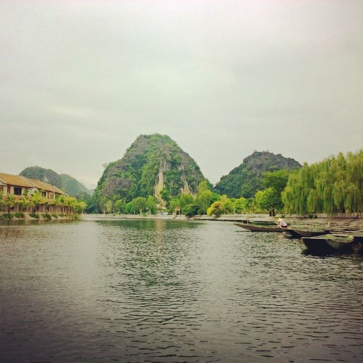 НинБинь. Там Кок. Вьетнам. Vietnam Walking Instagood Beautiful follow bestoftheday instagramers like nature monument creativity incity nokialumia1020 nokiaru