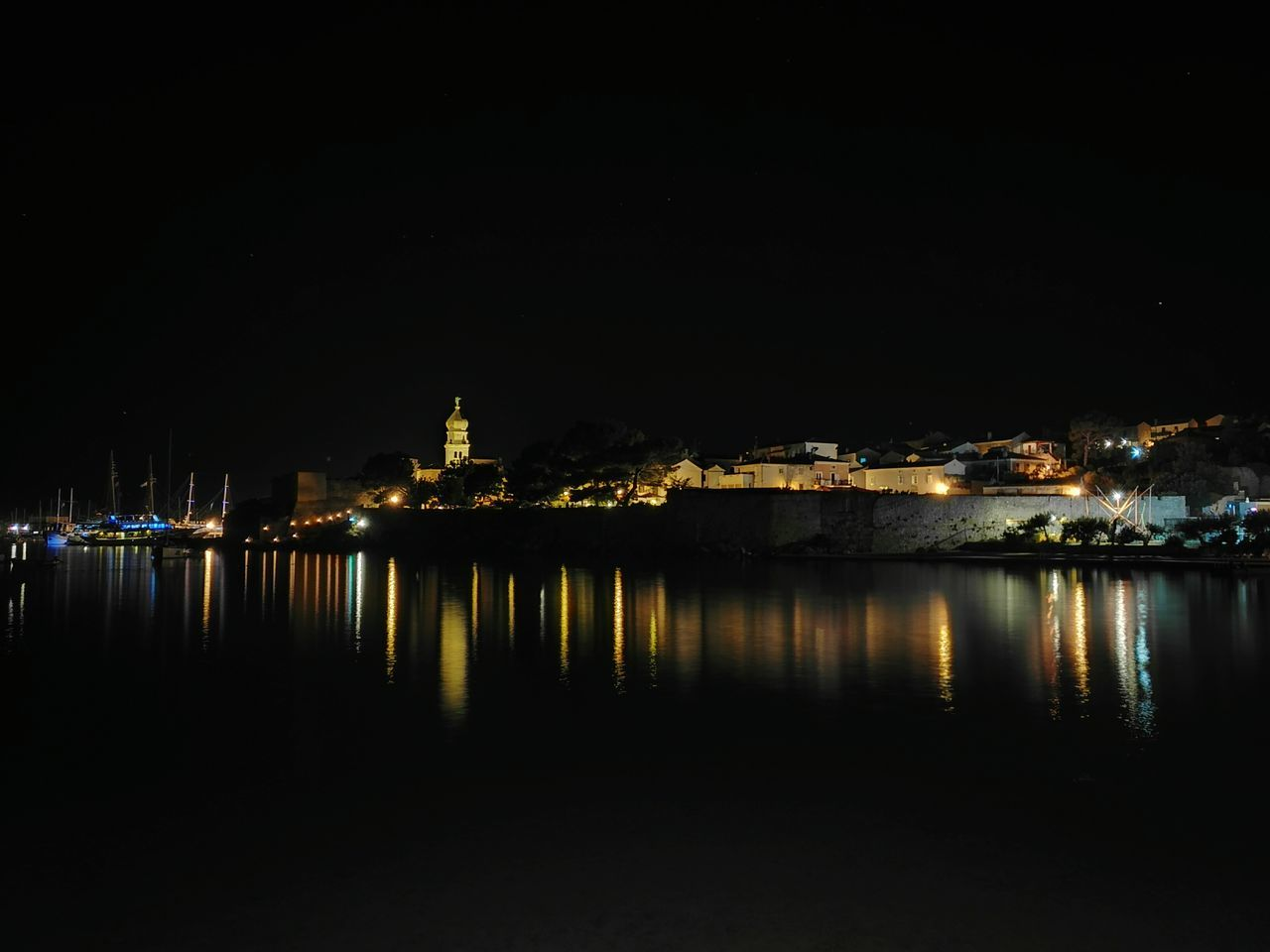 Illuminated Night Reflection Building Exterior Water Waterfront No People Water Surface City Life Nightphotography City Lights Sightseeing Slow Shutter Long Exposure Smartphonephotography Honor 7 Old Town Frankopan Castle Krk Cathedral Boats Water Reflections Honor7