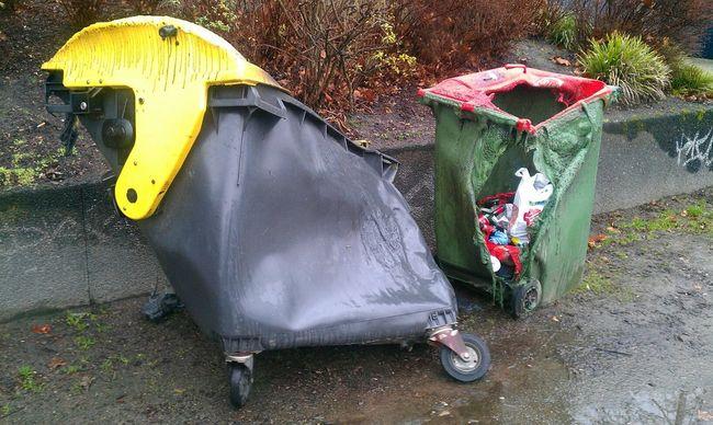 Rubbish City Trash... Christmas Relationships