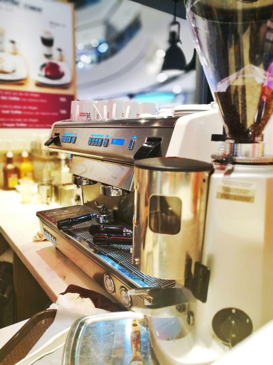 Coffee ☕ Coffee And Sweets Coffeetime Coffee Shop Coffee - Drink Coffee Time Coffeelover Coffeeaddict Coffeelovers Coffee Lover Coffeeholic Coffee Shop Scene