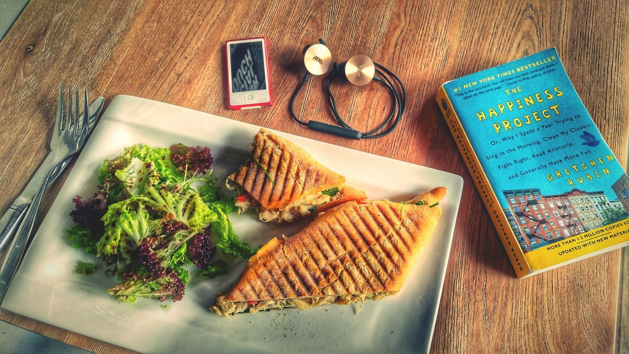 I.am Button Button Headphones Bluetooth The Happiness Project Book Sandwich Lunch IPod Nano