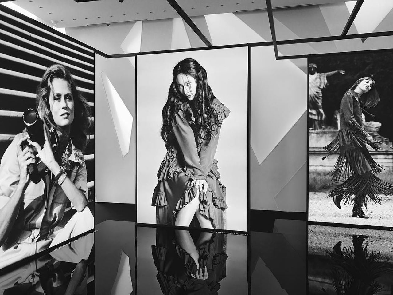 Krystal Jung among those international model / celebrities. I'm so proud of her ㅠ 3 ㅠ Krystal Krystal Fx Krystaljung Front View Lifestyles Faces Of EyeEm Tod's Krystal Jung Women Who Inspire You Standing Inspirations Beautiful Woman