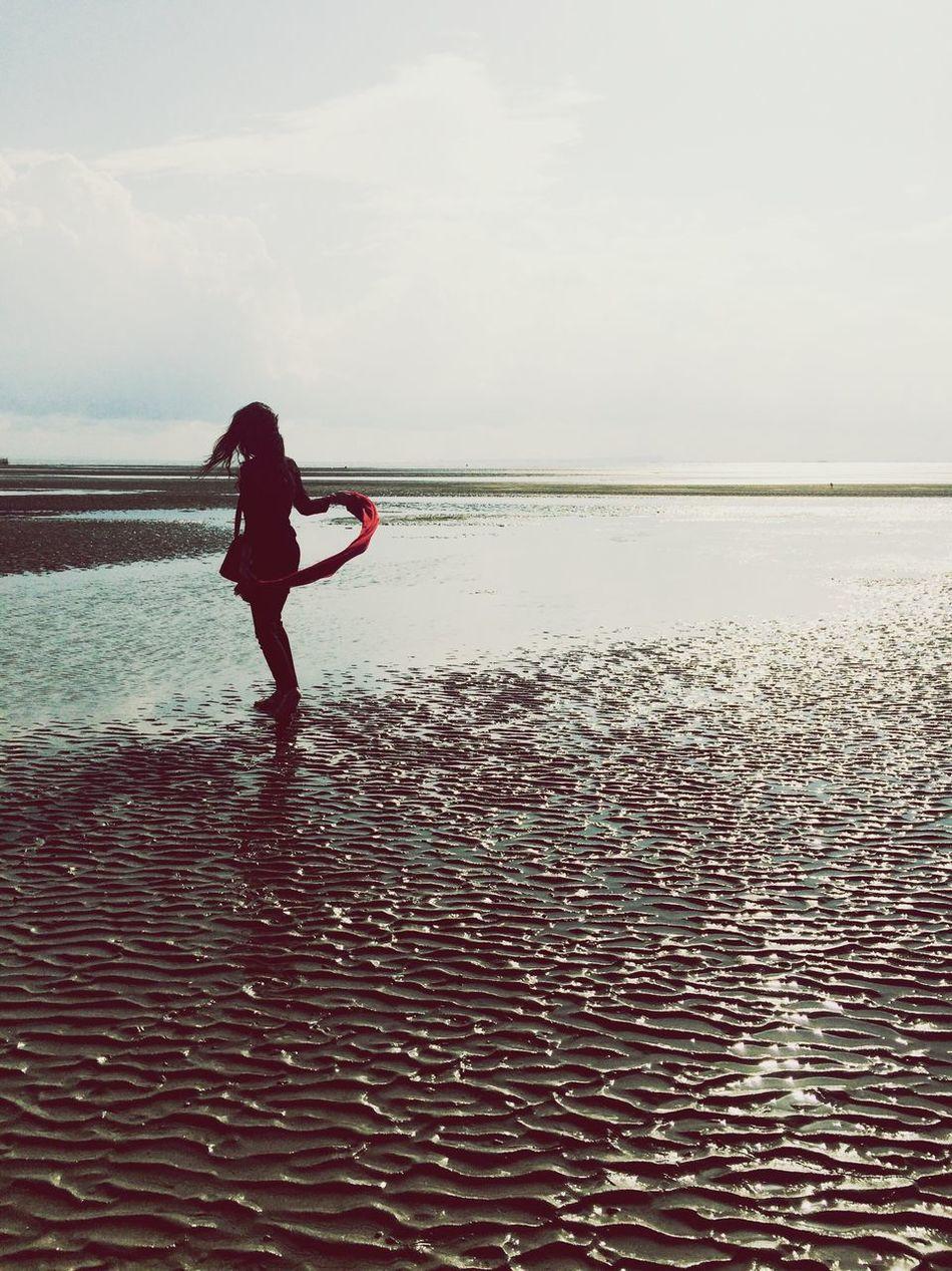 Girl Dance Sea Sun BandarAbbas