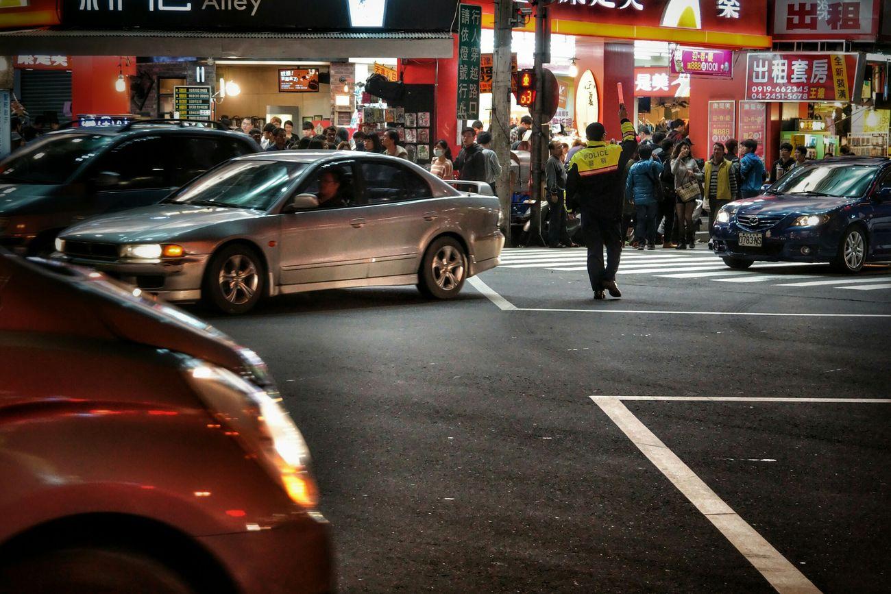 執勤 on duty What I Saw Streetphotography Police People The View And The Spirit Of Taiwan 台灣景 台灣情
