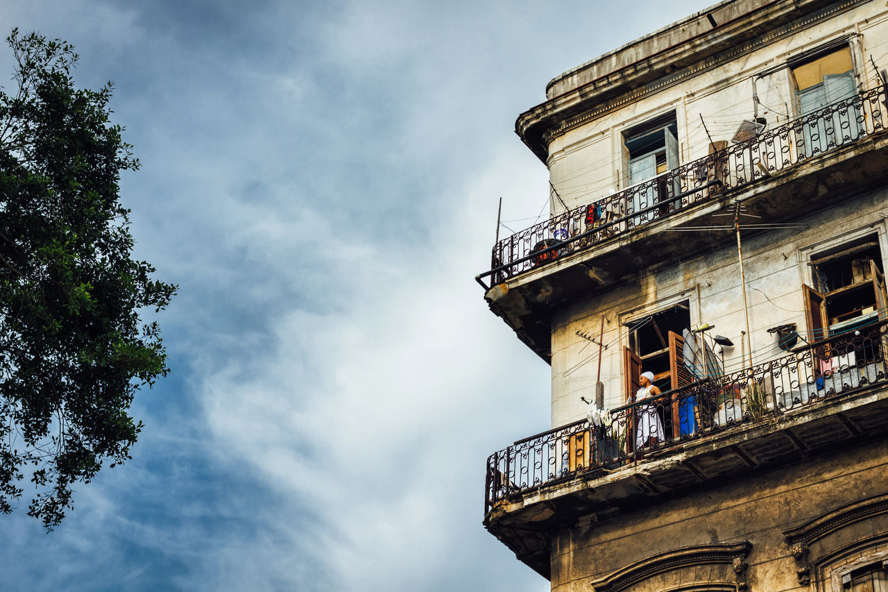 Architecture Building Exterior Built Structure Capital Cities  City City Life Cuban Life Lifestyle Low Angle View Old Havana Outdoors Windows