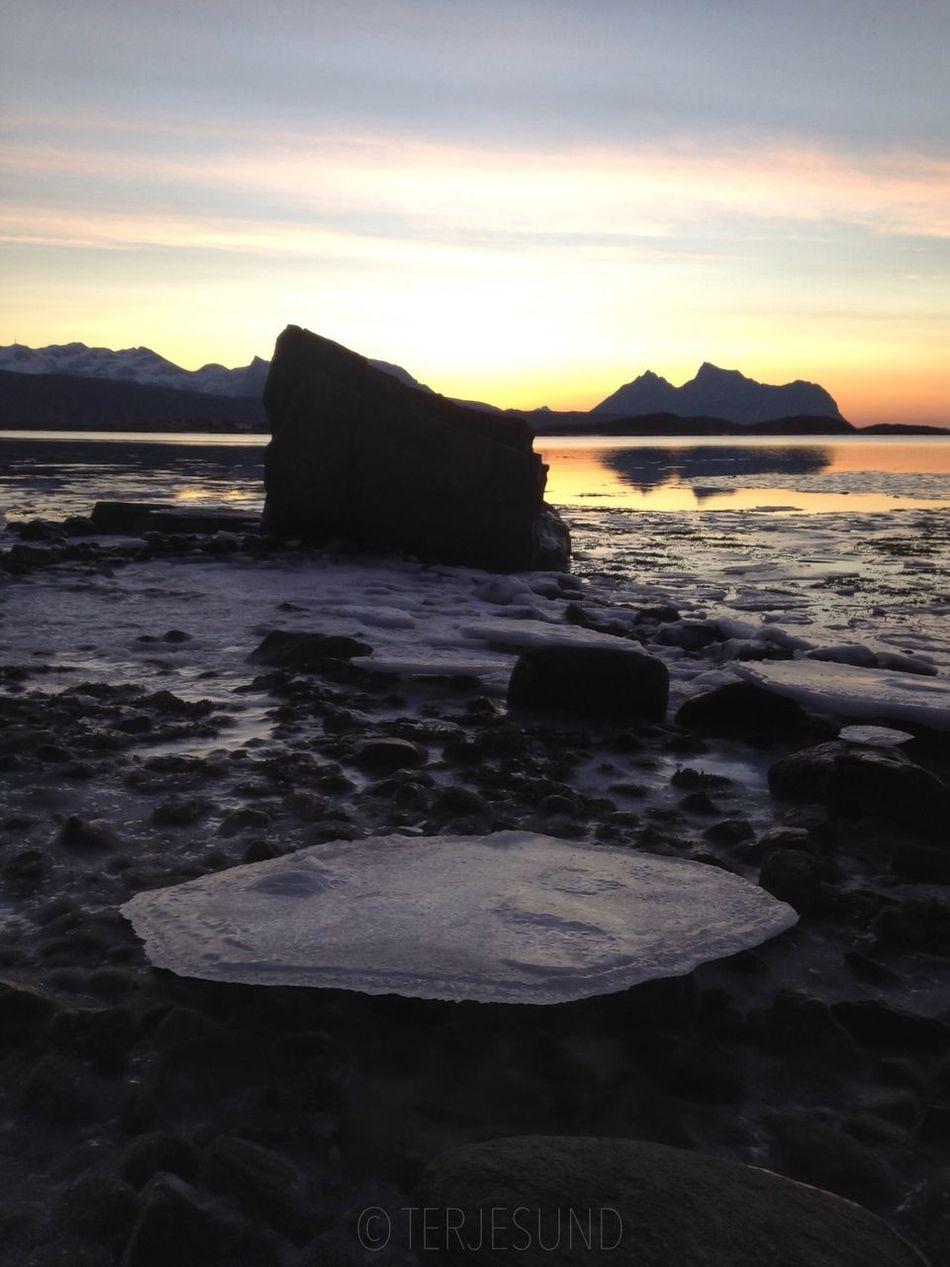 Deepfreeze Sunrise_sunsets_aroundworld Naturelovers Cold Water_collection Eye Em Nature Lover Water Water Reflections Nature Ice