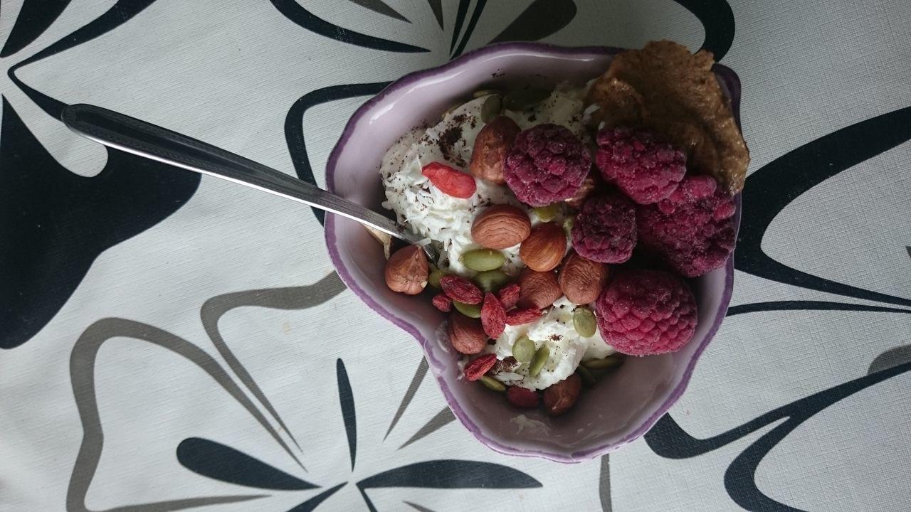 My Favorite Breakfast Moment Breakfast Breakfast ♥ Eating Healthy Healthy Eating Raspberries Almondbutter Greekyogurt