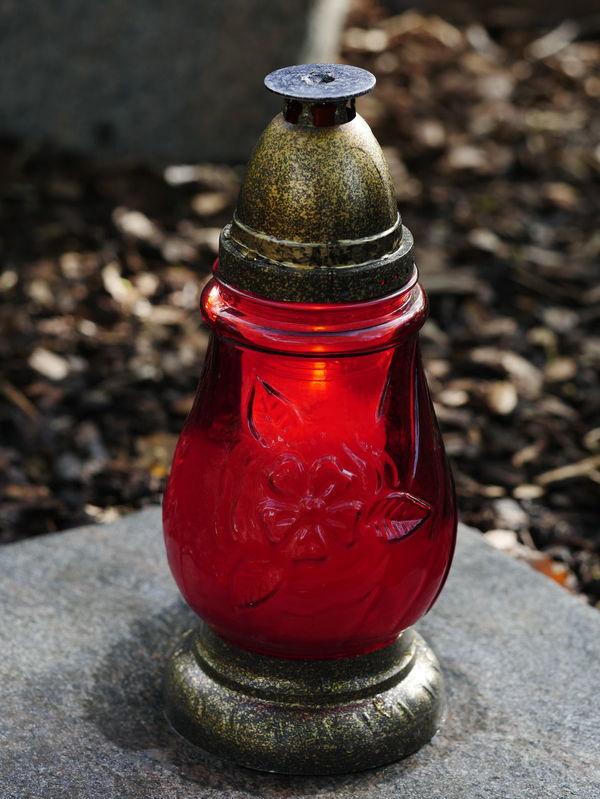 Friedhof Grabschmuck Allerheiligen Close-up Day Grablichter No People Outdoors Red
