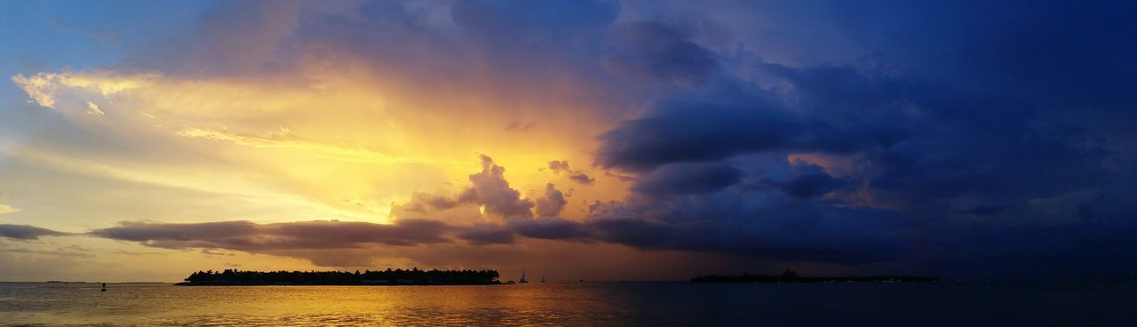 Sunset Storm Thunderstorm Thunder Heads Key West Mallory Square