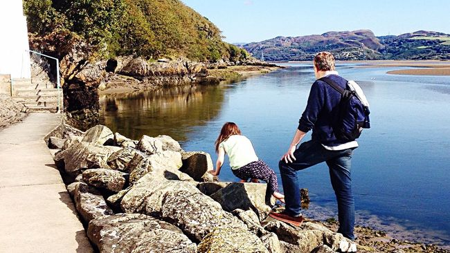 Estuary Estuary View Water Waterside Father And Daughter Family Holiday Vacation Wales Scrambling Explore Climb Rocks Visit Scenic View Summer Lake Sea Port Meirion
